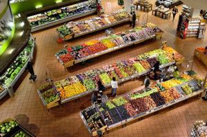 スーパーマーケットで役立つクレジットカード3選